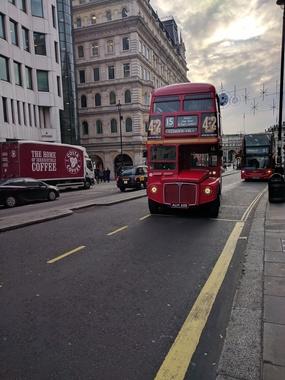 런던의 과거와 현재를 탐방하는 시내 워킹투어